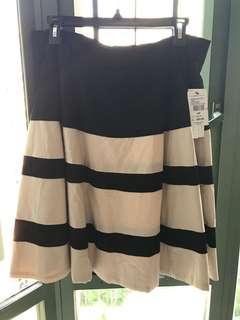Large black & white skirt, tags on