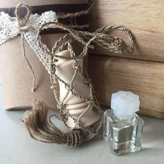 Qalua - hanging perfume (musk eve)