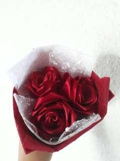 3 Stalks Red Roses Flower Bouquet