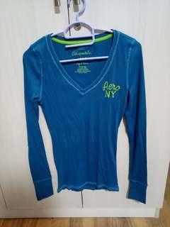 Aeropostale teal long sleeved v-neck shirt