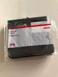 Uniqlo黑色暗紋絲襪一對
