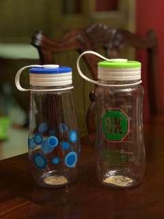 Bundle of 2 water bottles