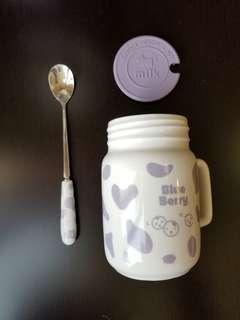台灣瑞穗牧場有蓋牛奶杯配匙羹三件套 粉紫色