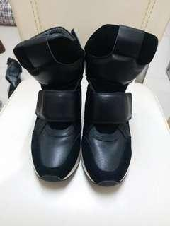 Kenmochi boots size eur 39 in good condition