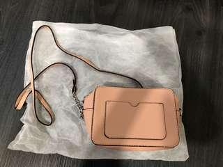 🚚 Brand new sling bag from mango nude pink
