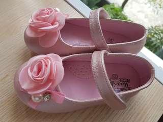 Brand NEW Baby Girl Shoes - Size 25