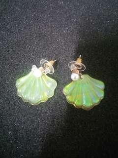 Earrings for her : Set C : like Shell design (Luminous reflective surface)