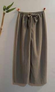 Pleated tokong pants