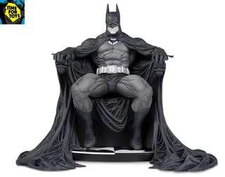 🚚 DC Collectibles - Batman Black and White by Marc Silvestri Statue