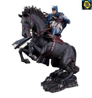 🚚 DC Collectibles - The Dark Knight Returns A Call to Arms Mini Battle Statue