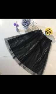 黑色紗網皮裙