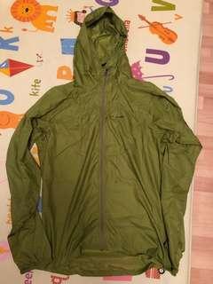 Patagonia wind jacket, 淺綠色細碼薄身風褸
