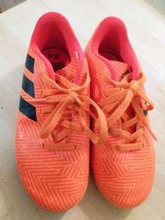 包順豐店或柜 Adidas 小童平地波鞋 US12.5K