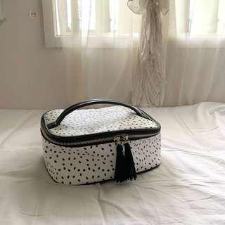 Louenhide makeup/toiletries case