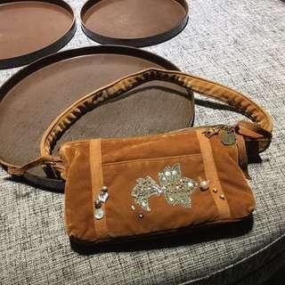 🚚 日系品牌毛呢絨布小包包側背包手拿包