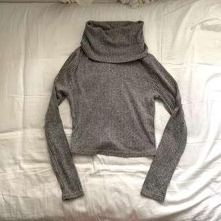 Temt grey turtleneck top