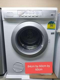 🚚 Used electrolux 7kg air vented clothes dryer cheap