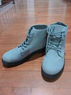 Winter Boots (Grey)