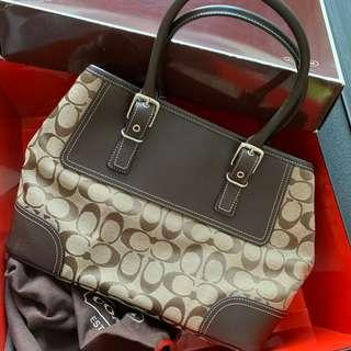 🚚 Coach Carryall Handbag