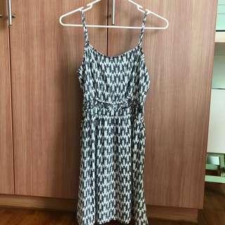 🚚 H&M Tribal Patterned Midriff Cut Out Dress