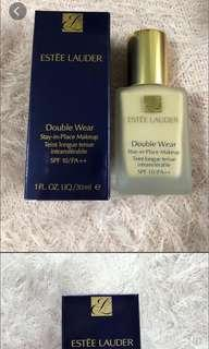 Estée Lauder double wear stay in place makeup spf 10/PA++ # 1W1粉底