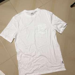 Basic pocket white oversized tee