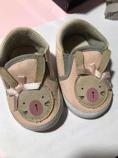 🚚 Mothercare crib shoes