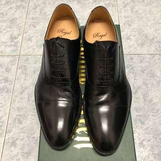 Royal Green leather shoes