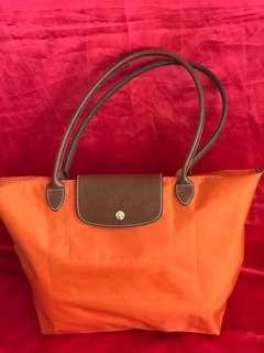 Repriced to clear!!!  Long Champ Le Pliage