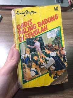 Novel tua Enid Blyton gadis paling badung di sekolah