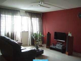 5 Bedrooms Jumbo Flat near Woodlands MRT for Sale