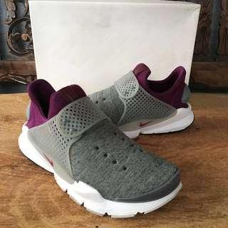 213ddf6b5230 Nike Sock Dart Tech Fleece Heather Grey Mulberry