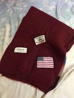 🚚 🌹近全新韓國超柔軟拼色徽章貼布圍巾