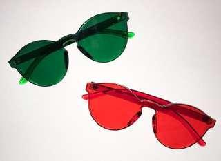 Kacamata transparan (hijau dan merah)
