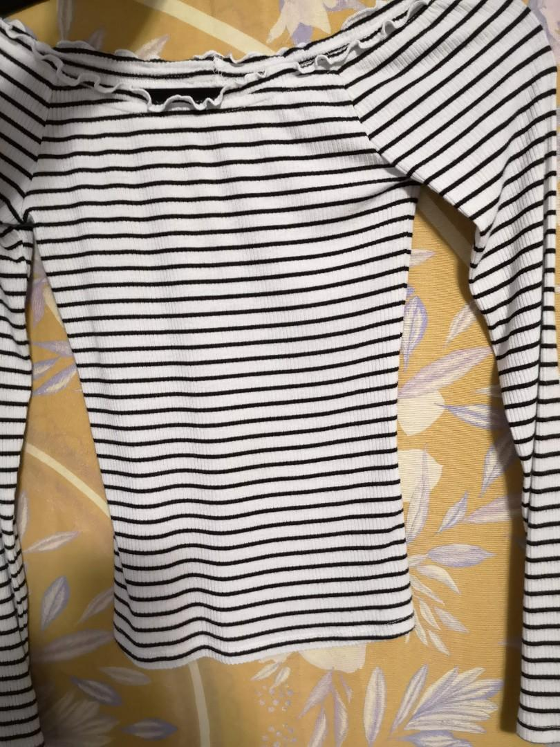 Black and White stripped off the sholder long sleve shirt