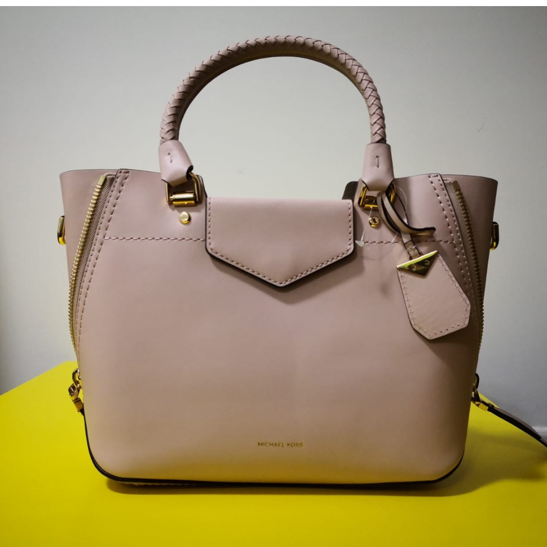 be4591d8d06f Brand New Authentic Michael Kors Blakely Leather Satchel in Soft ...