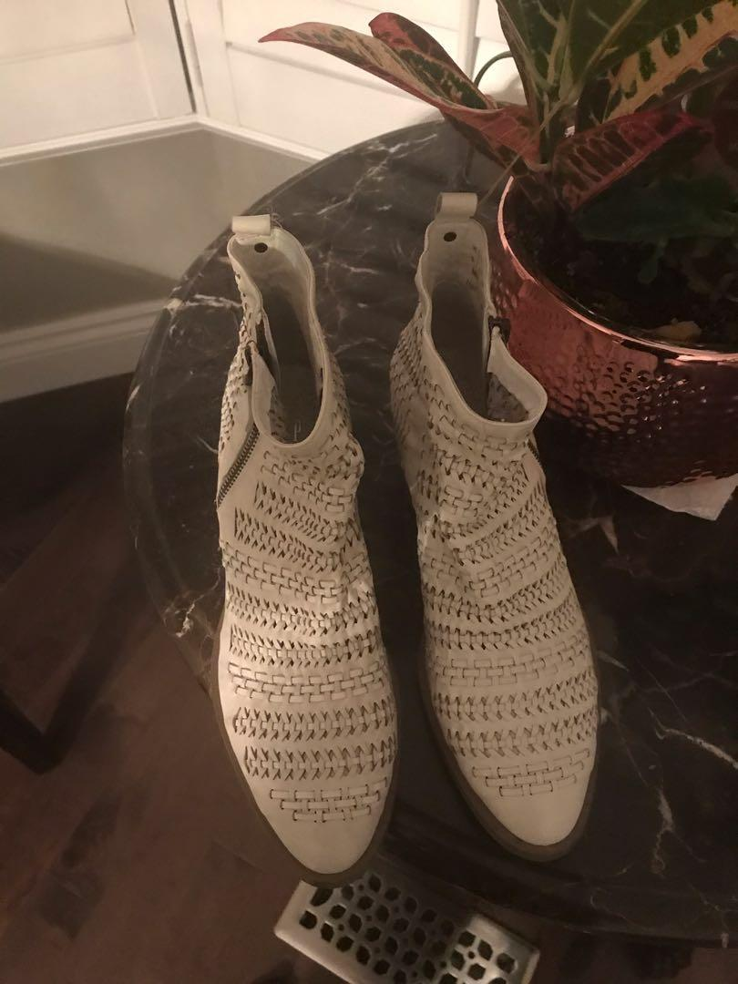 Brand new gap booties (rag and bone inspired) size 9