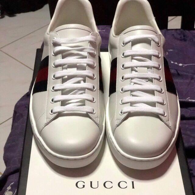 635a15c86 Gucci Ace Leather Sneakers (Navy Blue/ Red) on Carousell
