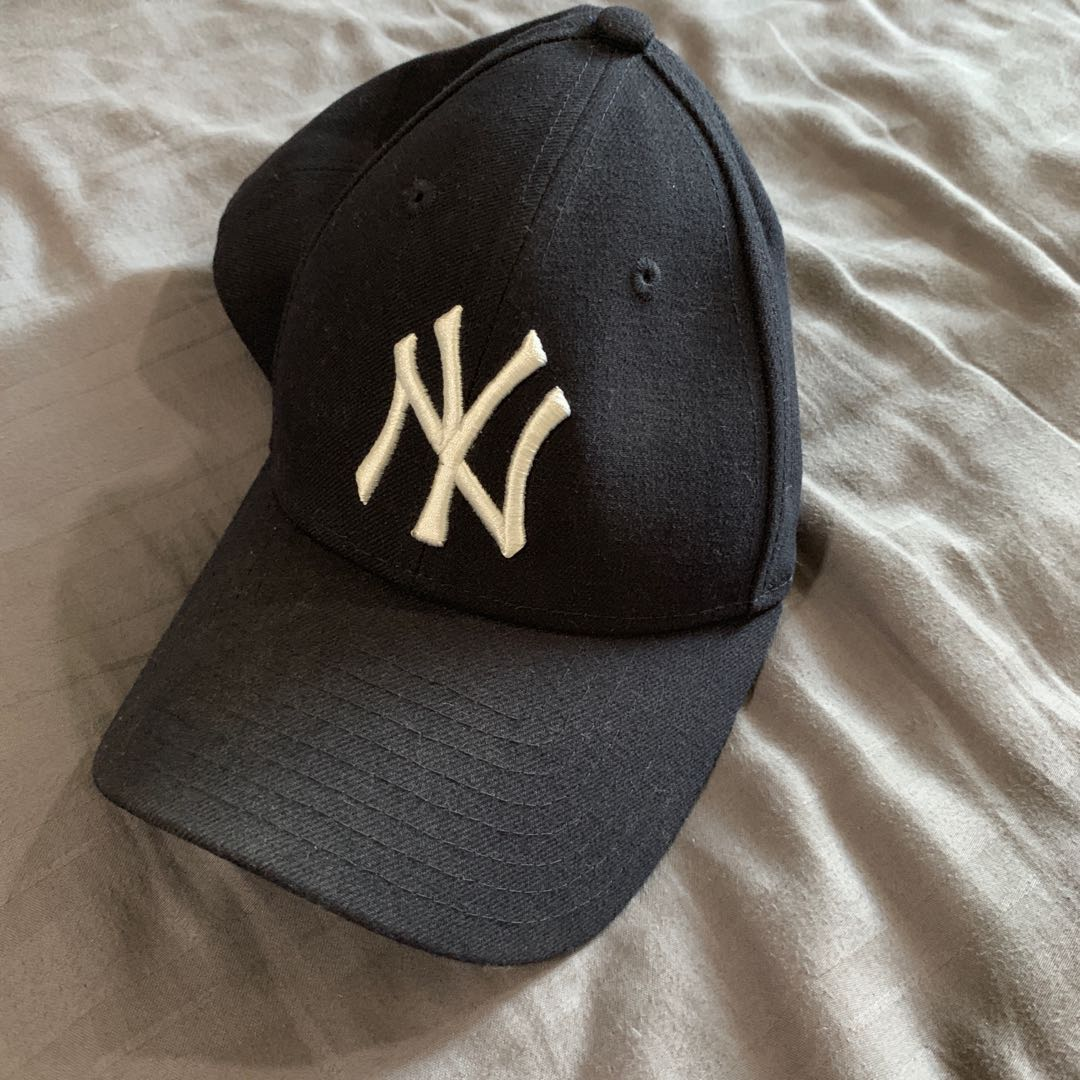f53d33c6e81 New York Yankees New Era Velcro Cap