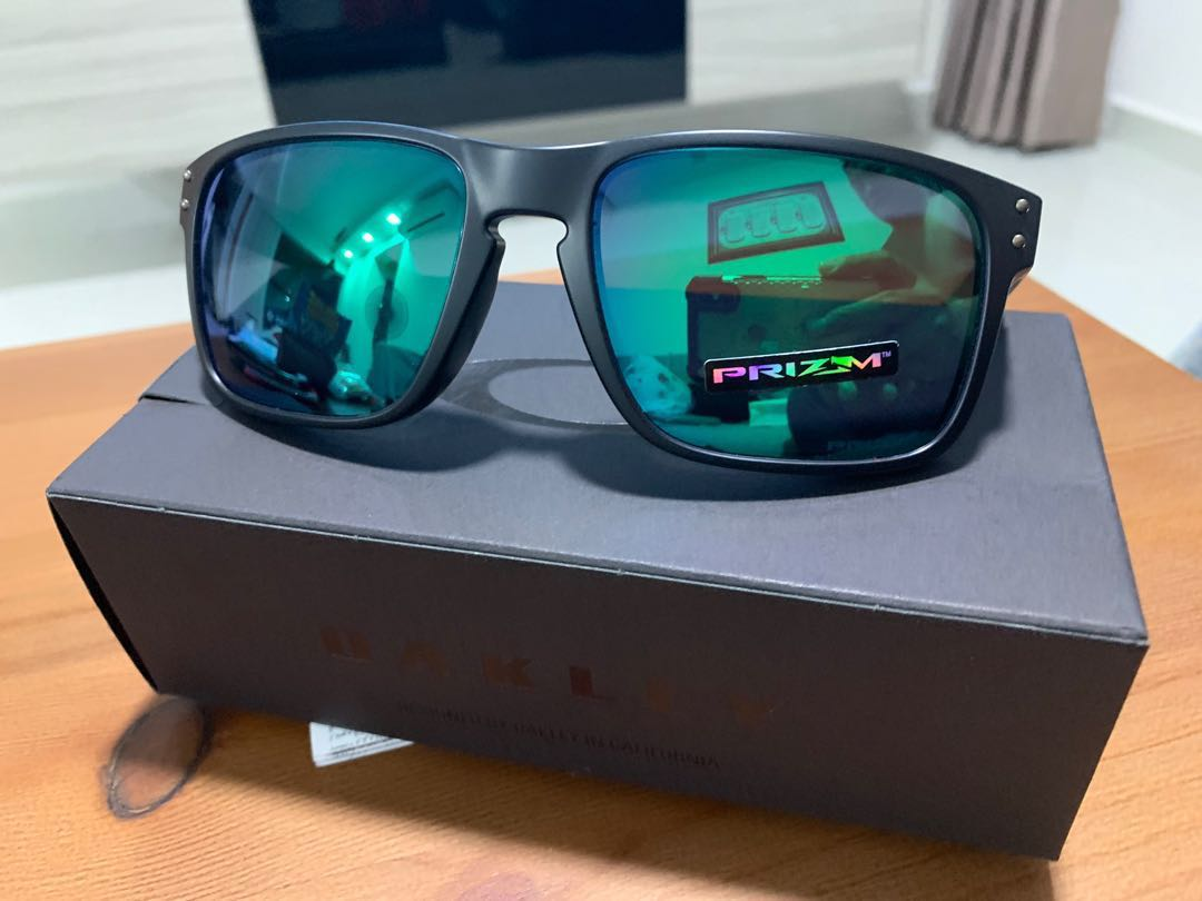 bee08f1b2b6 Price reduced!! Authentic Oakley Holbrook (Asian Fit)