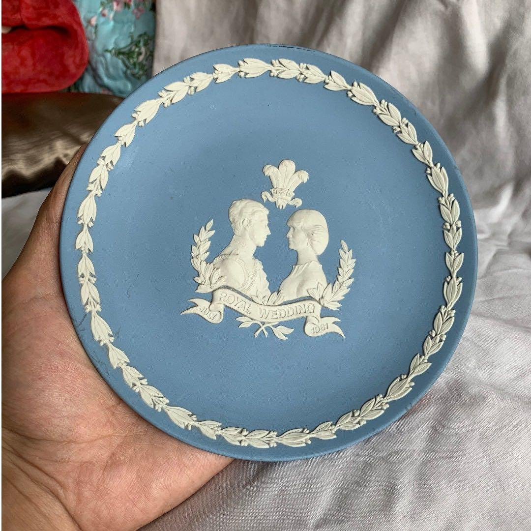 (Royal wedding 1981) Wedgwood collectable item