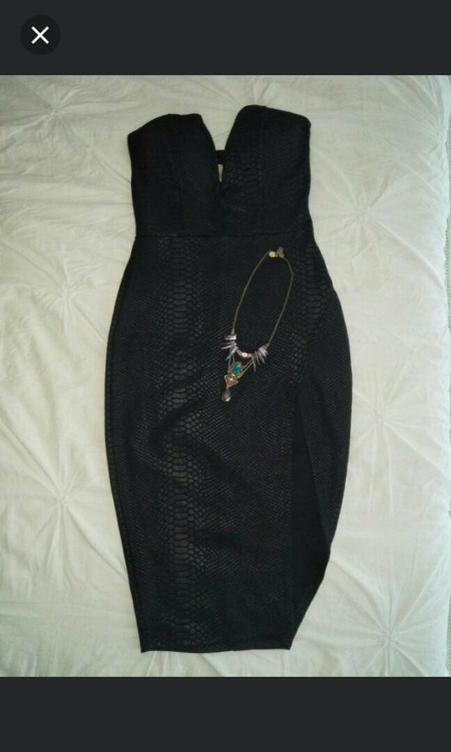Strapless Snakeskin dress with necklace