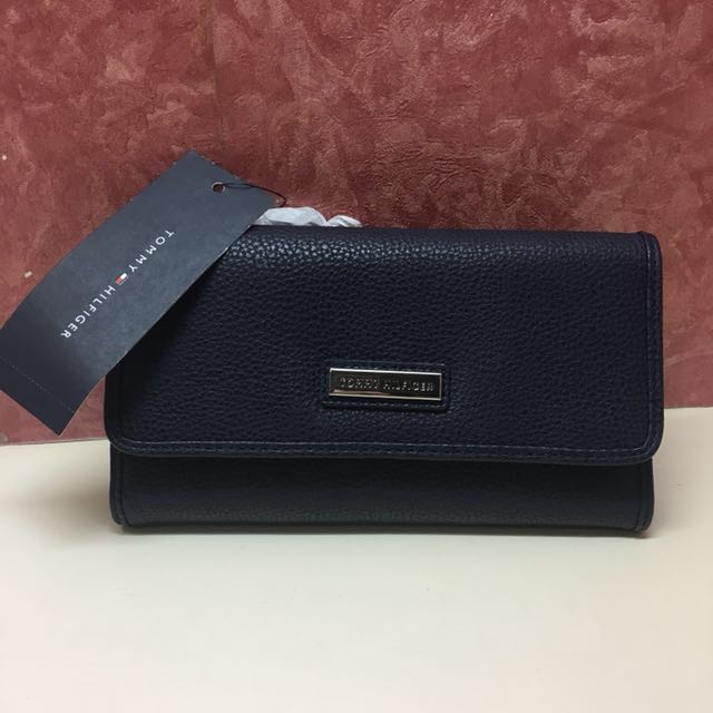 004fcb7d TOMMY HILFIGER - Womens Wallet, Women's Fashion, Bags & Wallets on Carousell