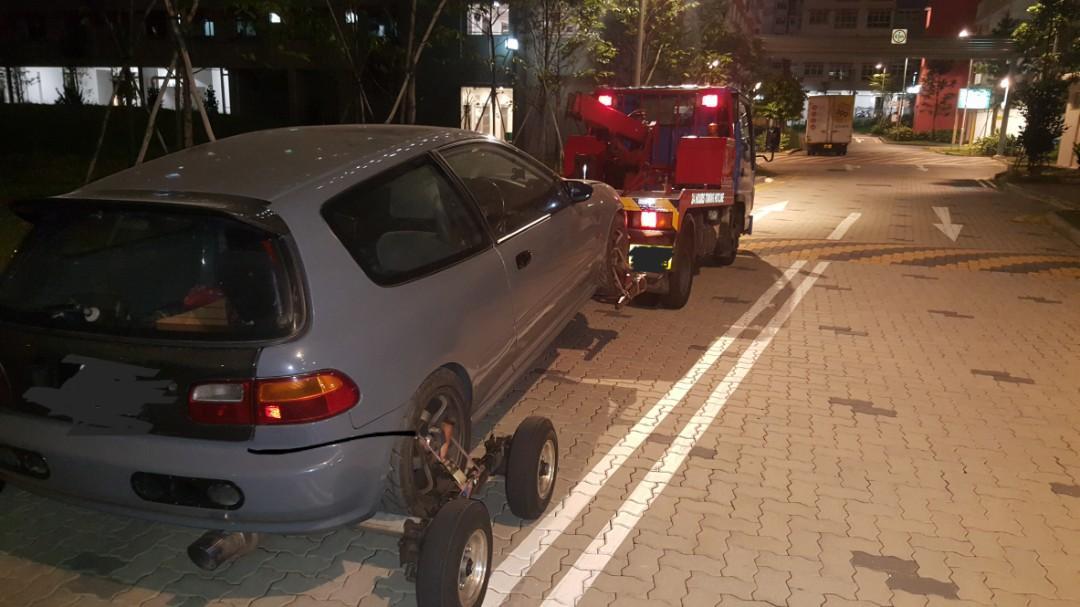 Towing services Jumpstart open door flat tyre