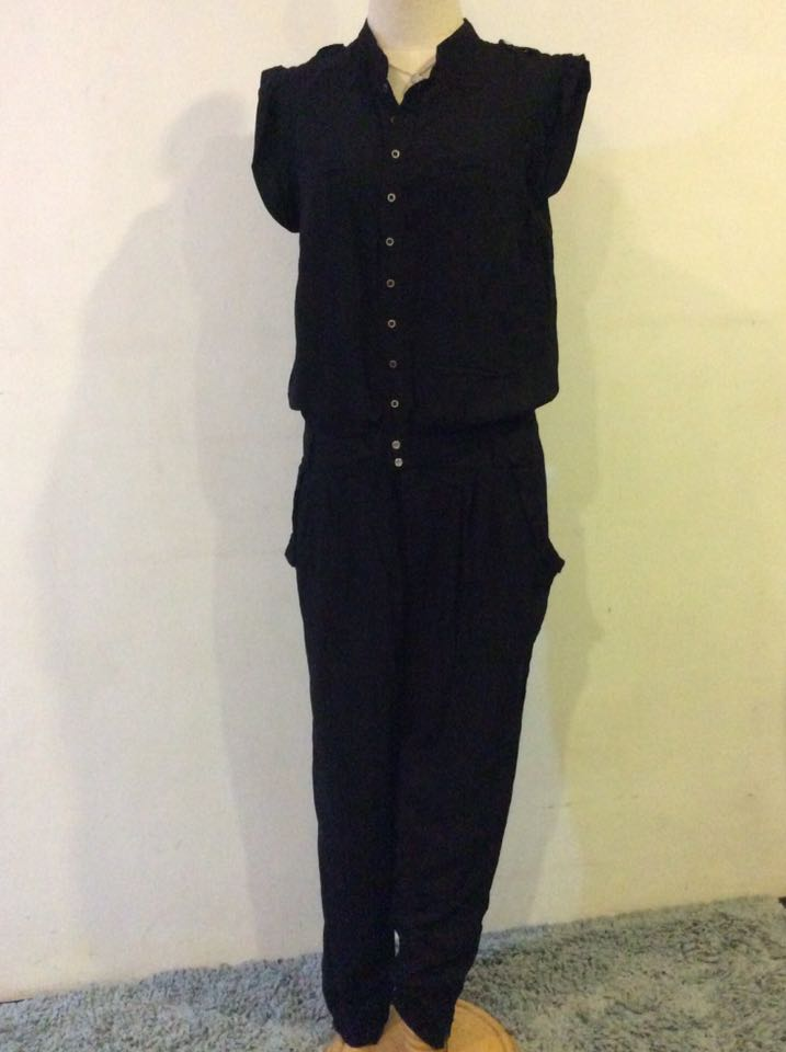 0aca0c8608f3 Zara Black Button Down Jumpsuit w  Side Zip Ankle