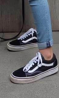 Vans Old Skool Black and White Authentic