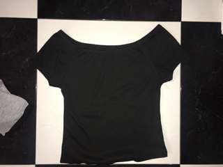 🚚 Off shoulder black top