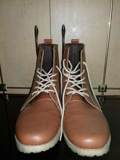 Boots Dr. Kevin brown color