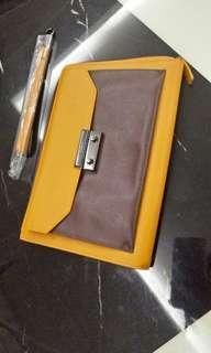 WTS Pedro clutch bag
