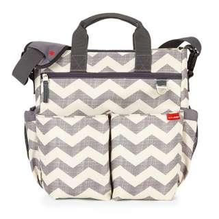 2427. Skip Hop Messenger Diaper Bag With Matching Changing Pad, Duo Signature, Chevron